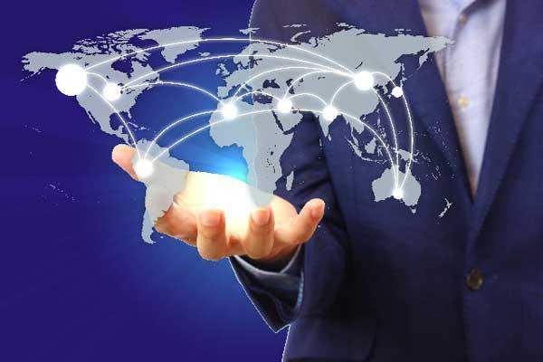 シニアのコミュニケーションとライフスタイルに変化をもたらすSNSとの関係(研究委員、木村純)