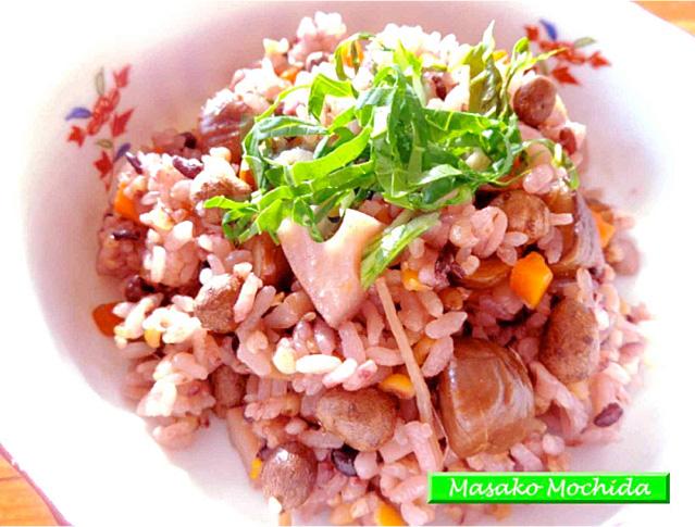 ◆モッチーママの大和薬膳料理 ◆第34回「肺を潤して精をつけるムカゴ、蓮根、むき栗ご飯♪」