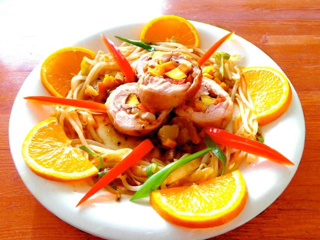 ◆モッチーママの大和薬膳料理 ◆第50回「◆ラップで簡単!美肌効果のフルーティロールチキン♪」