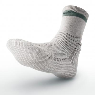 シニア・ビジネス探訪 第24回  転ばぬ先の靴下