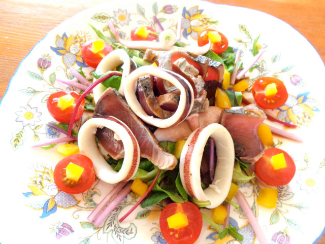 疲労回復効果のある鰹とスルメイカ、木綿豆の変わりカルパッチョ
